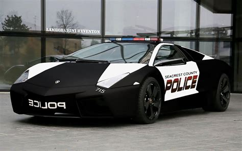 Lamborghini Police Car Pictures HD Wallpapers Download free images and photos [musssic.tk]