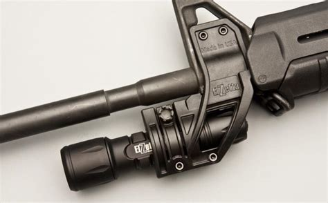 Lights For Mounting On Your M4 Carbine M16 Rifle Pistol