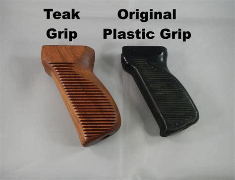 M70 Grip