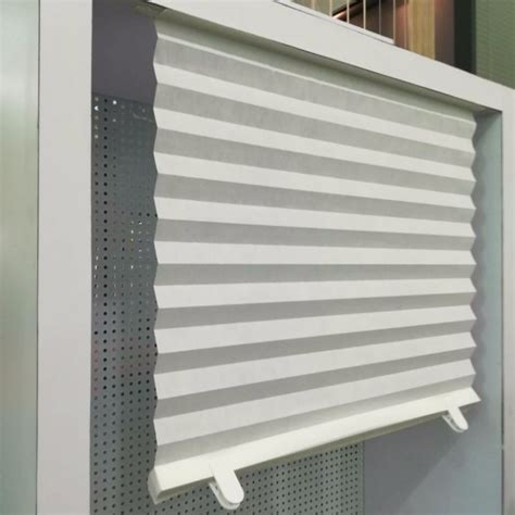 Make your own temporary paper shade Image