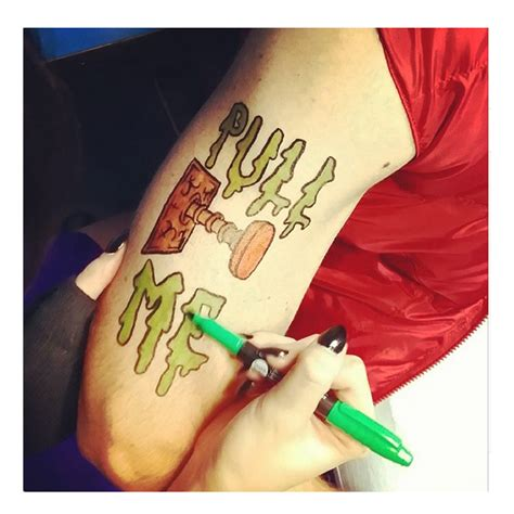 Make your own temporary tattoo kit Image
