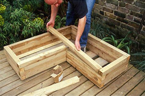 Making wooden planters Image