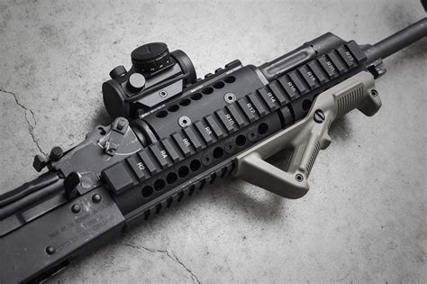 Midwest Industries Extended Ak Handguard