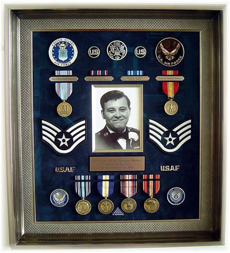 Military shadow box quadro de memorabilia Image