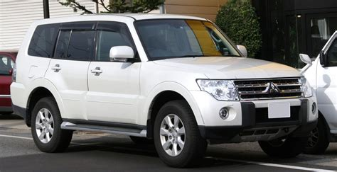 Mitsubishi Pajero Pics HD Wallpapers Download free images and photos [musssic.tk]