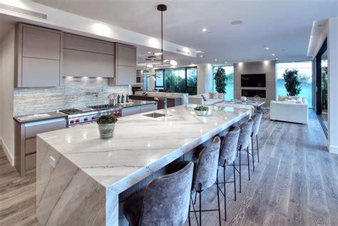 Modern Luxury Kitchen With Granite Countertop