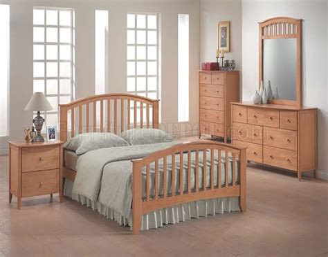 Modern Maple Bedroom Furniture