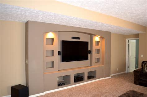 Modern Built in Entertainment Center Designs Image
