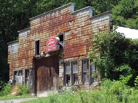 Old Ford Garage Make Your Own Beautiful  HD Wallpapers, Images Over 1000+ [ralydesign.ml]