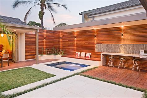 Outdoor Living Areas On A Budget