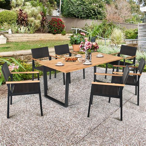Outdoor garden table and chair sets Image