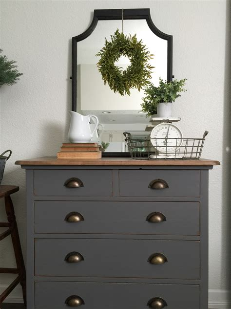 Painting a wood dresser grey Image