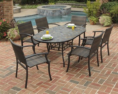 Patio chairs and table Image