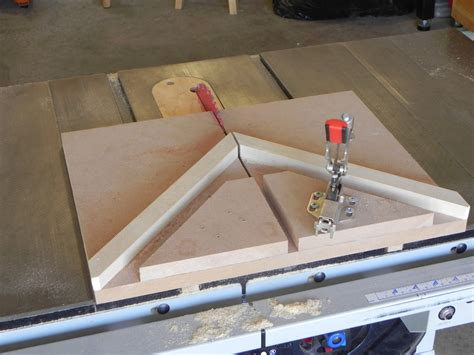 Picture frame jig for miter saw Image