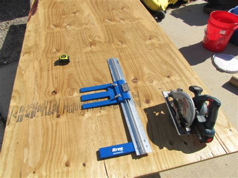 Plywood ripping jig Image