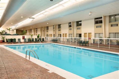 Ramada Plaza Louisville Hotel And Conference Center Louisville Ky Hotel Near Me Best Hotel Near Me [hotel-italia.us]