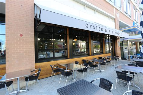 Restaurants With Garage Doors Make Your Own Beautiful  HD Wallpapers, Images Over 1000+ [ralydesign.ml]