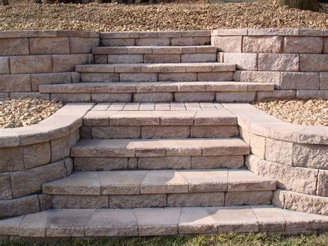 Retaining Wall Stairs Design