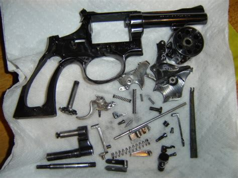 S W Revolver Detailed Disassembly Deep Clean