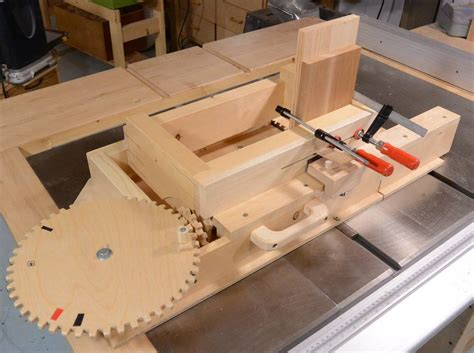 Screw advance box joint jig Image