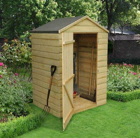 Short storage shed Image