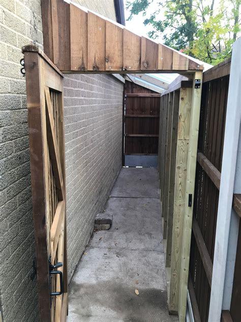 Side house storage shed Image