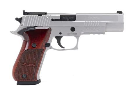 Sig Sauer 10mm Gun And Sig Sauer 1702499r
