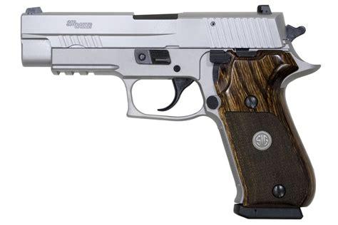 Sig-Sauer Sig Sauer P220 Elite Stainless 45 Acp.