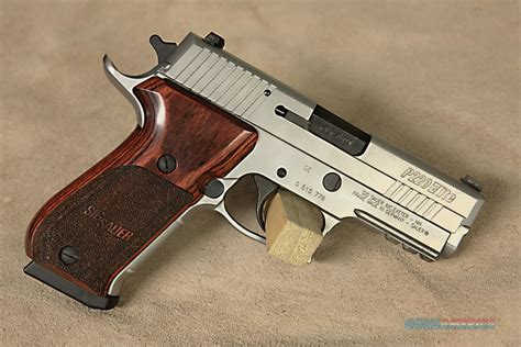Sig-Sauer Sig Sauer P220 Stainless Elite Carry For Sale.