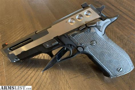 Sig-Sauer Sig Sauer P226 9mm Slide For Sale.