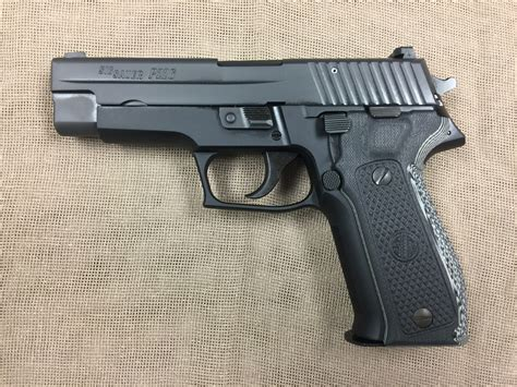 Sig-Sauer Sig Sauer P226 Carry.