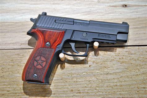 Sig-Sauer Sig Sauer P226 Gun Smith Nea By.