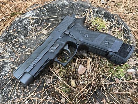 Sig-Sauer Sig Sauer P227 Tacops Elite Extreme.