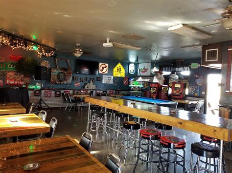 Slicks Bar