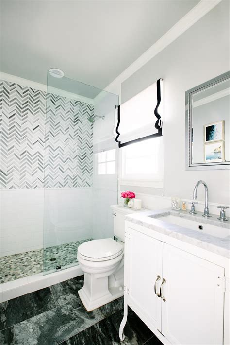 Small Bathrooms Interiors Inside Ideas Interiors design about Everything [magnanprojects.com]