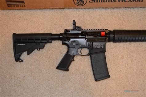 Smith-And-Wesson Smith And Wesson Ar 15.