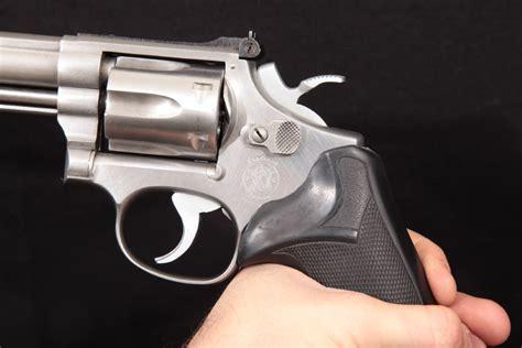 Smith Wesson 617 K22 Masterpiece 22lr 6 Barrel Houge