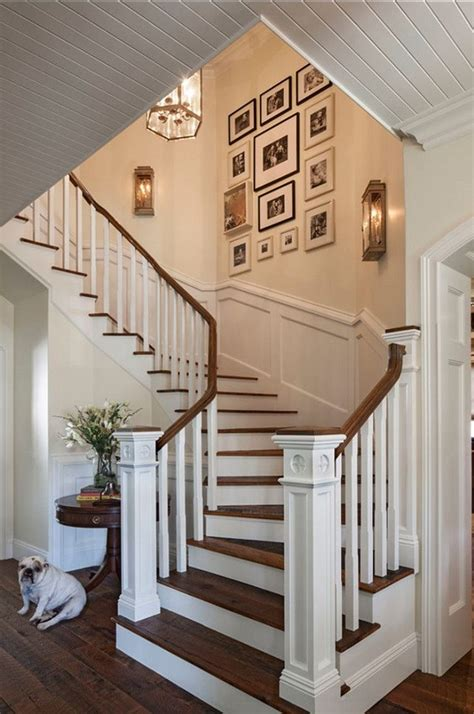 Staircase Decorating Ideas Wall