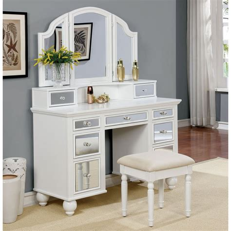 Strattenborough Vanity Set with Mirror