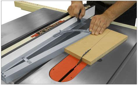 Table saw angle cutting jig Image