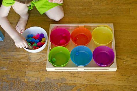 Toddler pom pom sorter activity Image