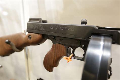 Tommy Gun Vs 9mm Handguns