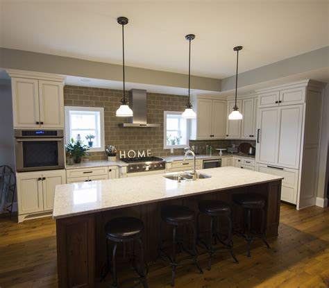 Traditional Open Kitchen Design