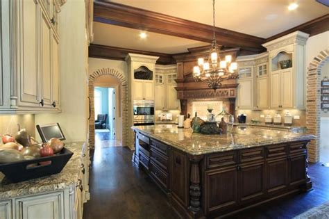 Traditional Kitchens 2018 Image