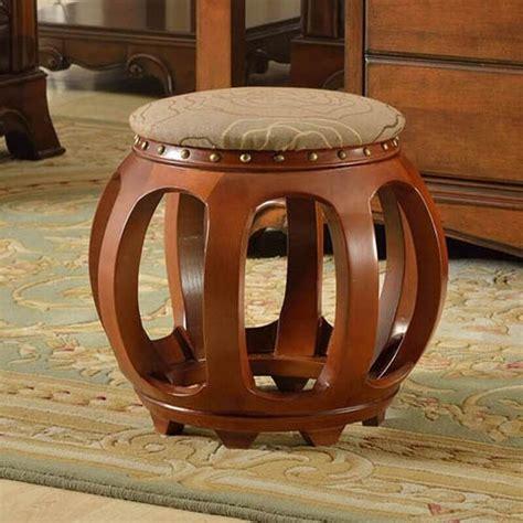 Unusual ottoman design Image