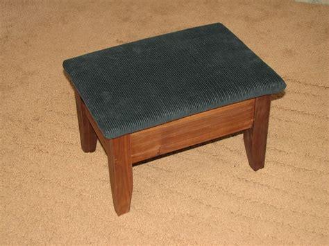 Upholstered Foot Stool Plans