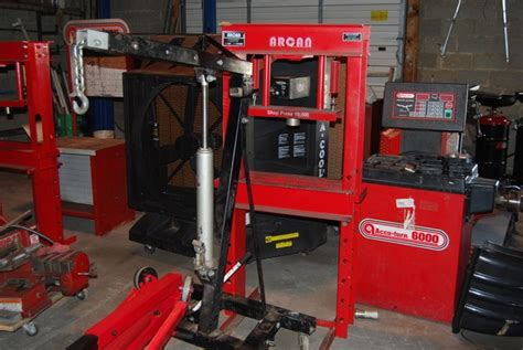 Used Auto Garage Equipment For Sale Make Your Own Beautiful  HD Wallpapers, Images Over 1000+ [ralydesign.ml]