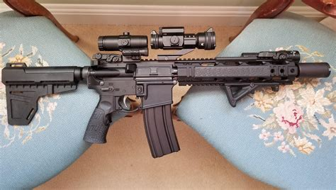 What Kind Of Foregrips Can A Ar15 Pistol Have
