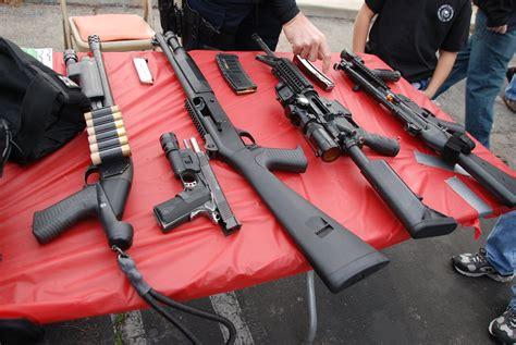 What Shotgun Do Swat Use
