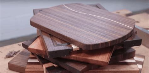 What kind of wood is best for making a cutting board Image